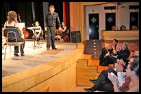 El alcalde, junto a otros concejales, asistió a la cita musical.