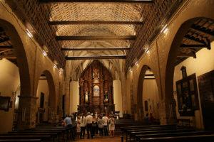 En el interior del templo parroquial