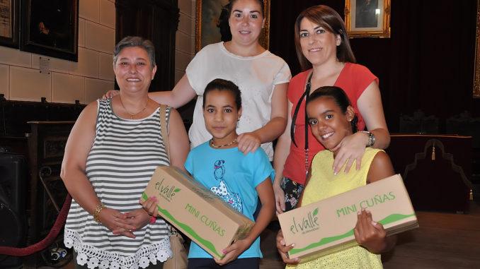 La imagen de la despedida oficial a las pequeñas saharauis