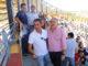 Torres, en primer término con el alcalde, tras prender el último chupinazo de este año