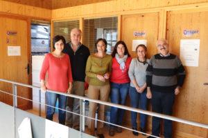 El alcalde y el concejal de Personal, junto a las trabajadoras de Centro de la Mujer