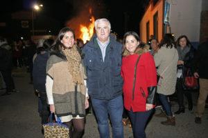 Virginia López y Lidia Paz, junto al alcalde el pasado viernes