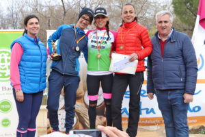 Podio absoluto femenino 25 km