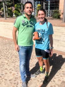 El concejal Donoso y la vencedora femenina