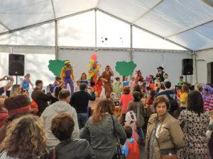 Un momento de la fiesta infantil bajo la carpa de Carnavalç